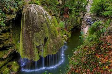 Top-10-Places-to-Visit-in-Romania.jpg